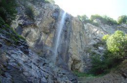 مکان های دیدنی گیلان – آبشار لاتون